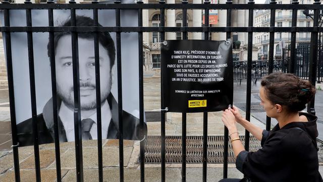 Rechter gelast vrijlating voorzitter Amnesty International Turkije