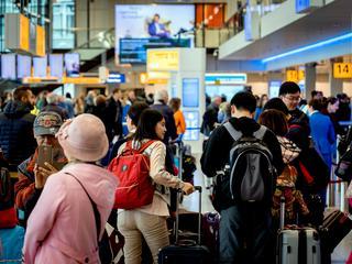 Ruim 76,2 miljoen mensen reisden in 2017 via vijf grootste vliegvelden in Nederland