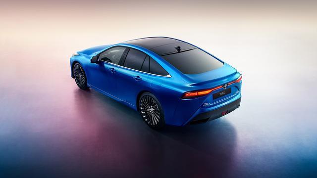 Nieuwe waterstofauto van Toyota ruim 15.000 euro voordeliger dan voorganger