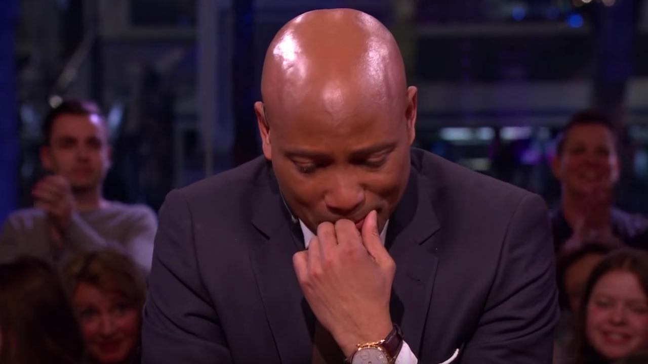 Geëmotioneerde Humberto Tan kondigt afscheid aan van RTL Late Night