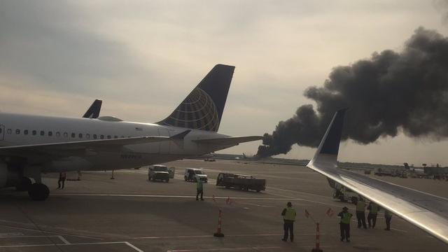 Vliegtuig in brand op luchthaven O'Hare bij Chicago