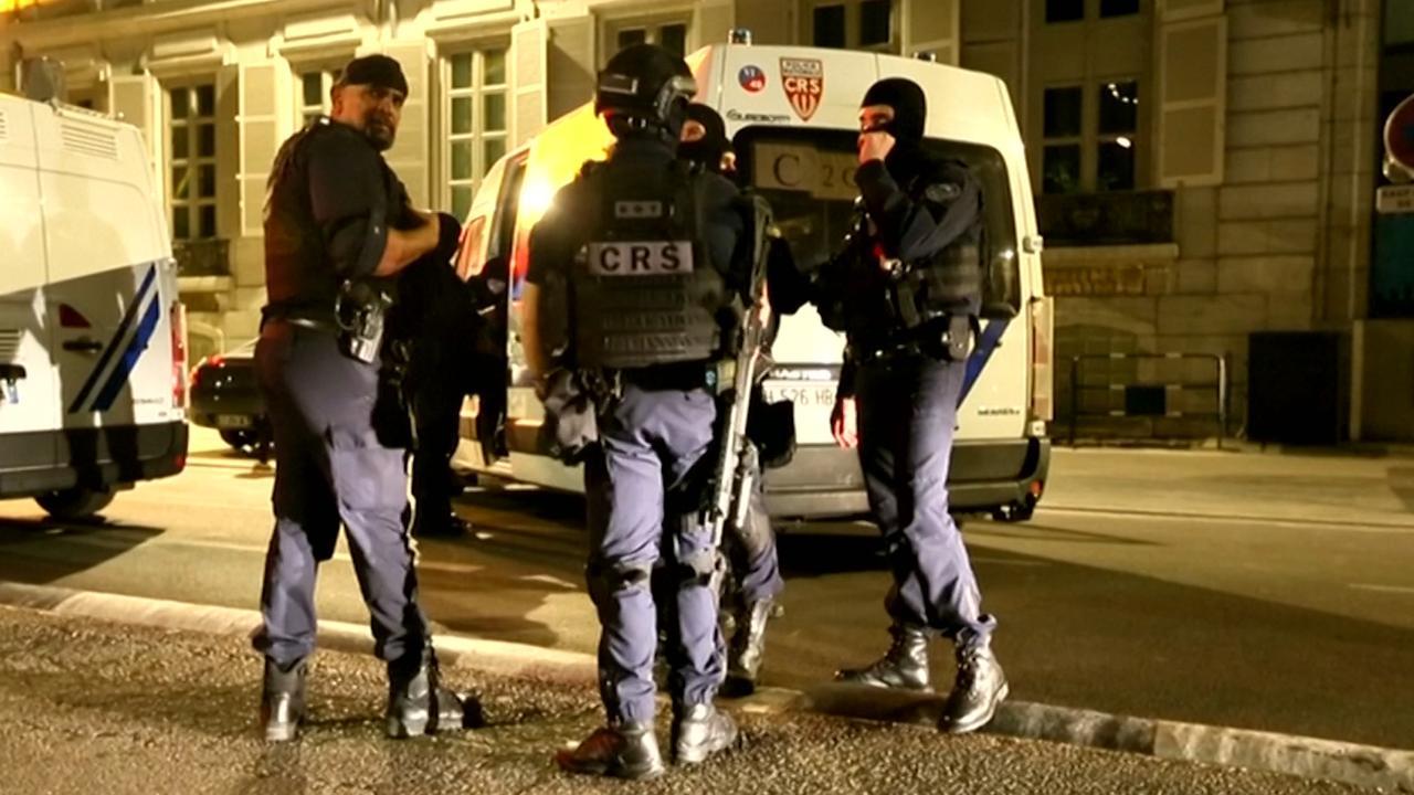 Politie doet onderzoek na explosie in Lyon
