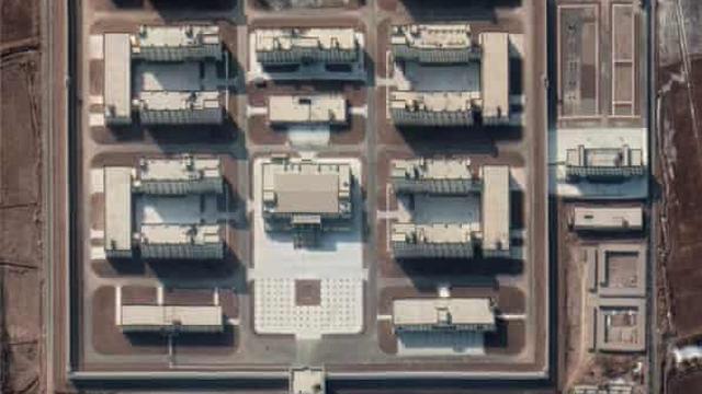 Onderzoek: China heeft 380 detentiekampen gebouwd voor Oeigoeren