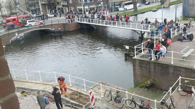Gesprongen waterleiding zorgt voor overlast aan Rijnsburgersingel