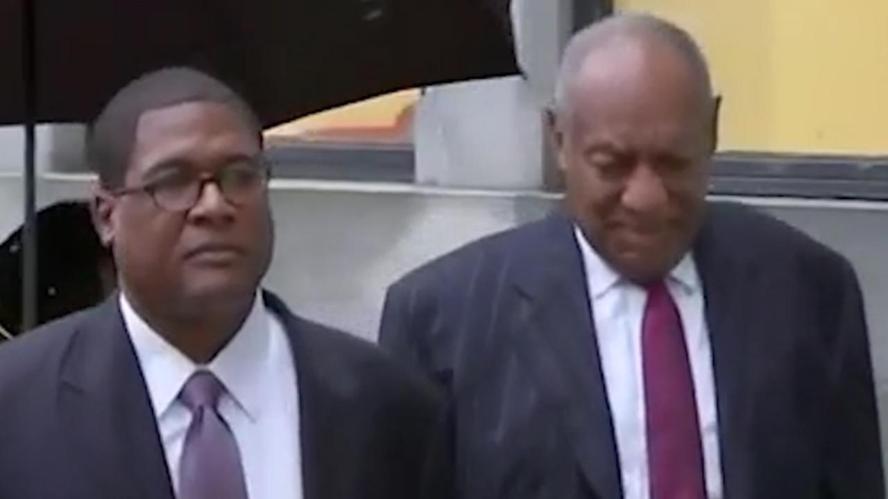 Bill Cosby komt aan bij rechtbank in Pennsylvania