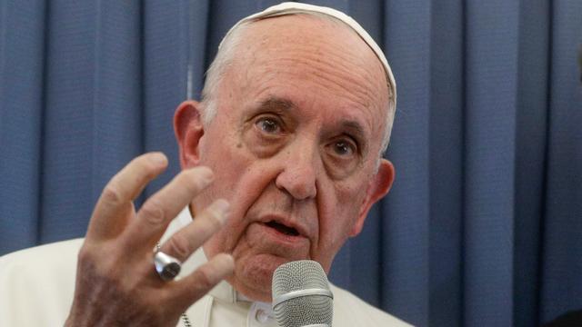Paus weigert in te gaan op beschuldigingen van verbergen misbruik