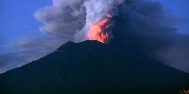 Vliegveld Bali derde dag op rij gesloten wegens vulkanische as