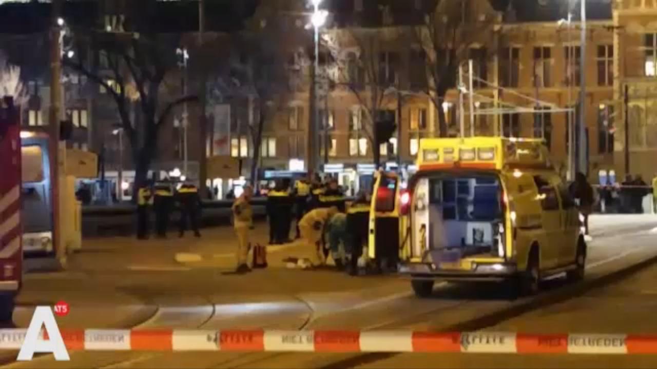 'Man ernstig gewond bij steekpartij Damrak'