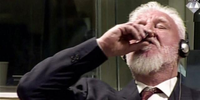 Eerste test wijst uit dat oorlogsmisdadiger Praljak inderdaad gif tot zich nam
