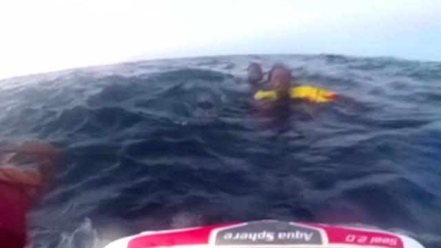 Spaanse kustwacht redt migranten van verdrinkingsdood