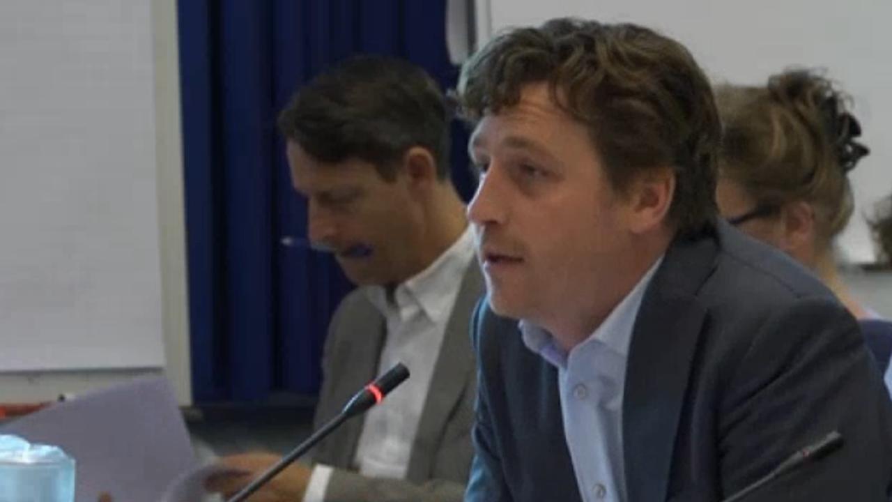Raad Amsterdam krijgt tijdens 'geheime sessie' pas duidelijkheid over Airbnb