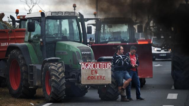 Boze boeren blokkeren weer wegen in Frankrijk