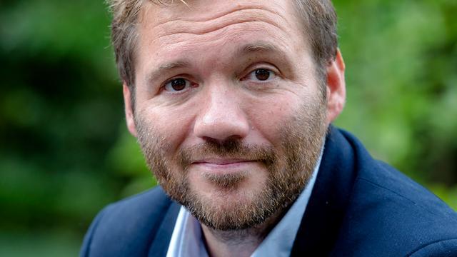 Klaas van der Eerden presenteert kookshow met bekende Nederlanders