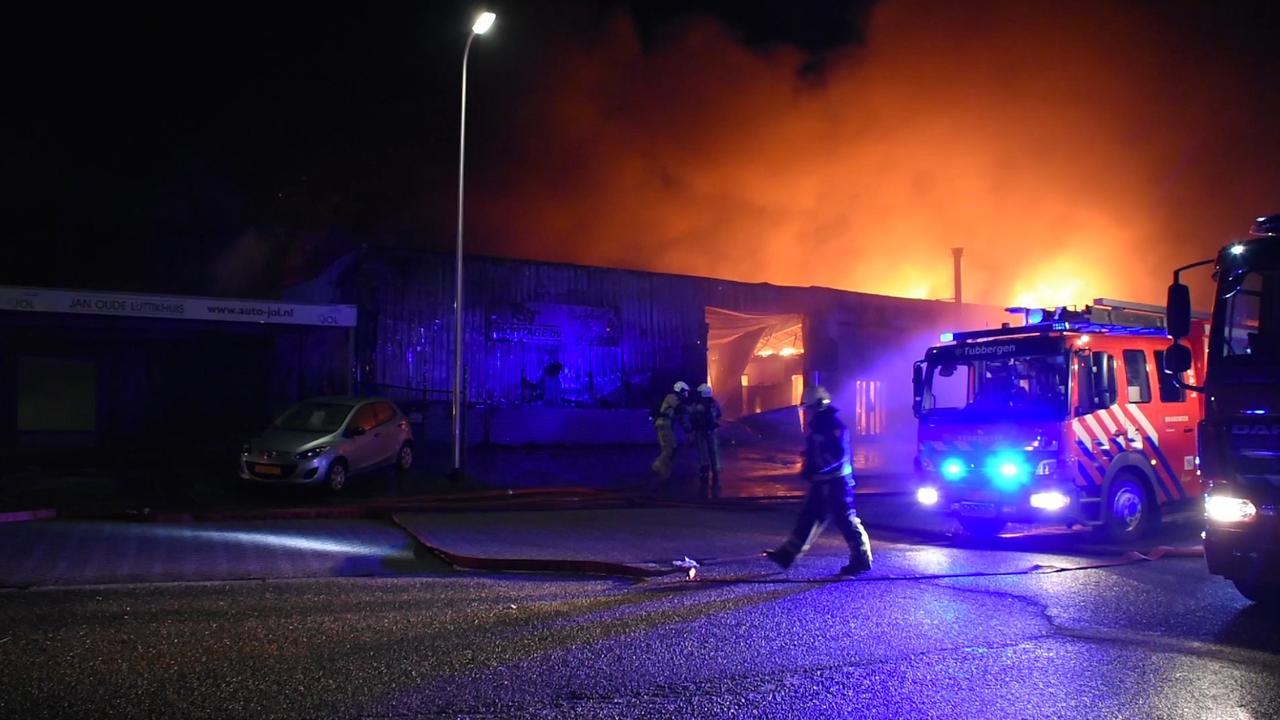 Bedrijf in Tubbergen verwoest door grote brand