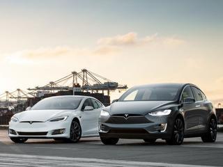 Tesla maakt ook bekend de bouw van zijn fabriek in Shanghai versnellen om Chinese importheffingen te omzeilen