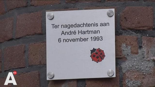 Gedenkbord onthuld voor vermoorde sigarenboer André Hartman
