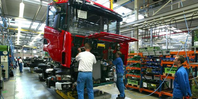 Verrassingsstaking legt Scania-fabriek in Zwolle 24 uur lang stil