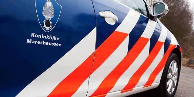 Elf verdachten aangehouden voor diefstal grote partijen iPhones op Schiphol