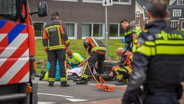 Fietser zwaargewond na aanrijding met scootmobiel