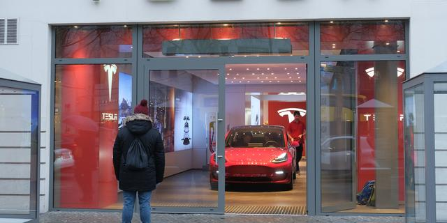 Tesla daagt hackers uit: kraak Model 3 en win honderdduizenden dollars