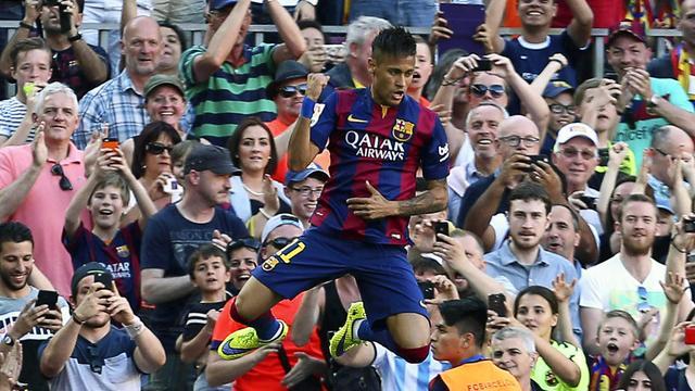 Barcelona nadert titel na gelijkspel Real, Van Ginkel scoort voor Milan