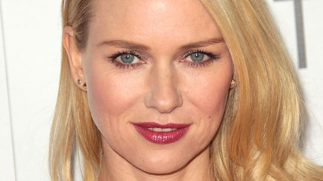 Naomi Watts speelt Fox-presentator in serie over Roger Ailes