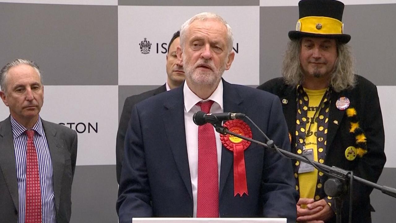 Corbyn: 'Genoeg is genoeg, Premier May moet opstappen'