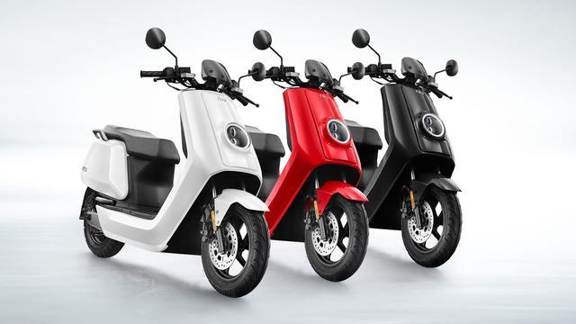 Wordt de elektrische NIU-scooter een icoon als de Vespa?