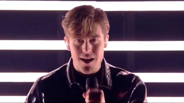 Benjamin Ingrosso zingt Dance you off voor Zweden