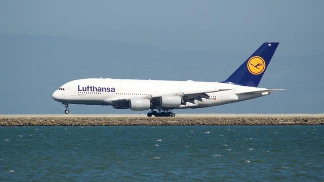 Lufthansa gered van faillissement, Duitse staat wordt grootaandeelhouder