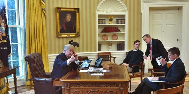 Donald Trump nodigt Palestijnse leider Abbas uit in Witte Huis