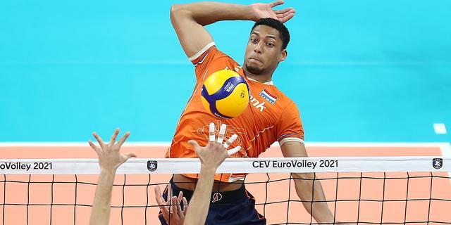 Volleyballer Plak: 'Ik werd tijdens EK naar huis gestuurd wegens kroegbezoek'