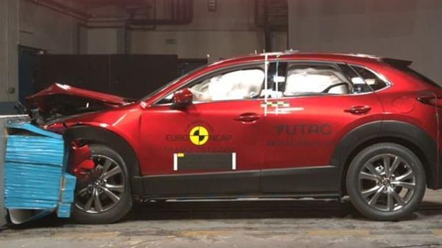 Mazda CX-30 behaalt bijna perfecte score bij botsproef