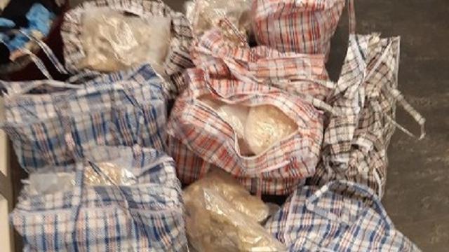 Politie vindt 114 kilo MDMA-kristallen in verborgen ruimtes auto