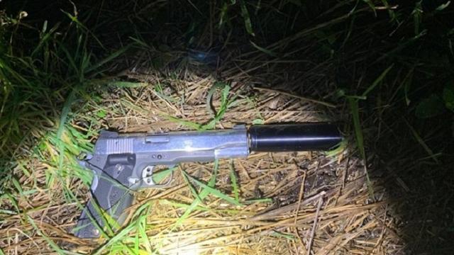 Politie Breda arresteert tweetal met doorgeladen vuurwapen in auto