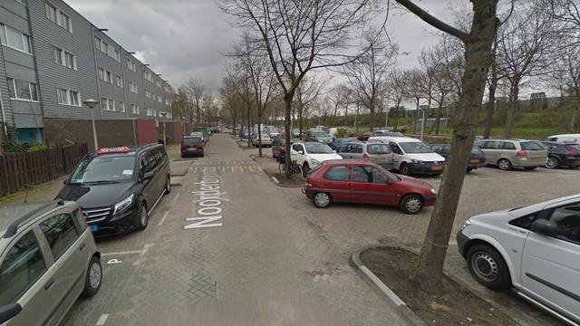 Man raakt zwaargewond bij steekpartij in Amsterdam-Noord