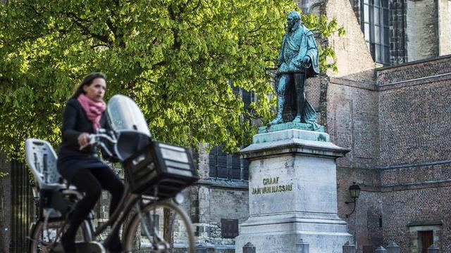 Standbeeld Jan van Nassau blijft toch op huidige plek Domplein