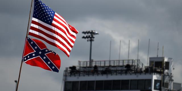 NASCAR staat omstreden Confederatievlag niet meer toe bij races