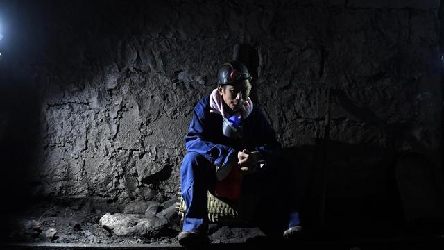 22 Chinese mijnwerkers vast in kolenmijn na afbreken rots in schacht