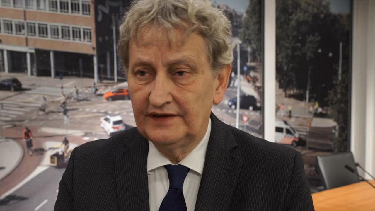 Van der Laan houdt praatje op A'DAM Toren