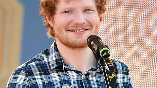 Ed Sheeran sloeg Justin Bieber in gezicht met golfclub