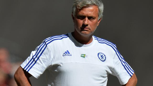 Mourinho laakt defensief Arsenal