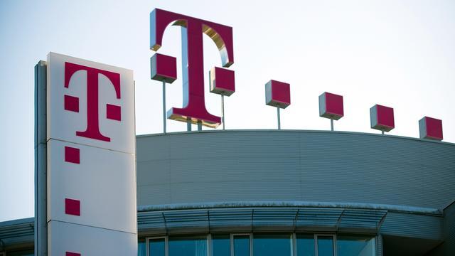Tienduizenden klanten urenlang zonder mobiel bereik door storing T-Mobile