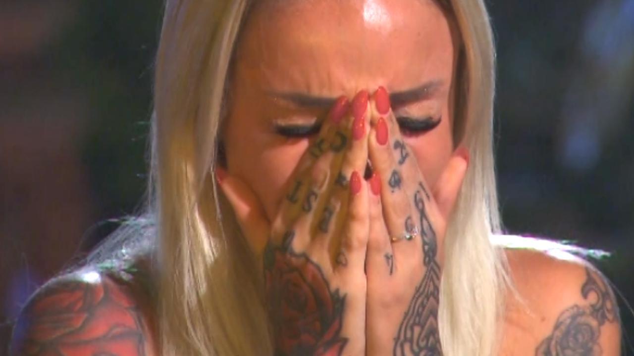 Tranen en agressie in eerste beelden Temptation Island VIPS