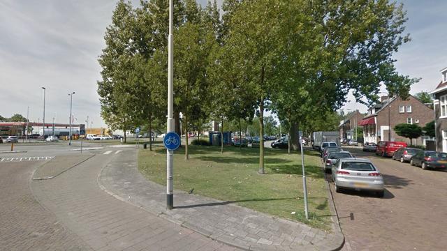 Politie-inval bij meerdere bedrijven Industriekade