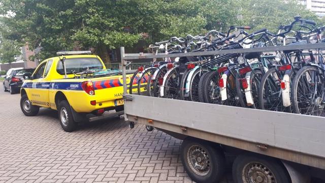 Politie houdt fietsopruimactie in Diamantenbuurt