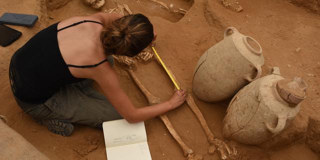 Begraafplaats van Filistijnen ontdekt in Israël