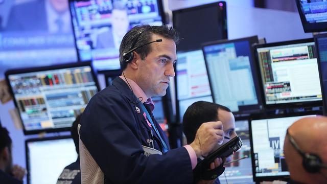 Dow Jones sluit op winst na bijna volledige dag in rood