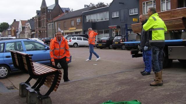 Banken in Fijnaartse Voorstraat geplaatst