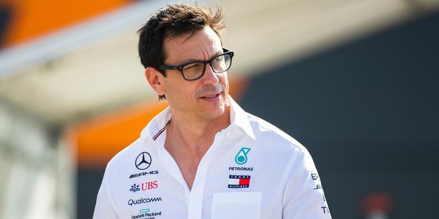 Wolff spreekt van lastig weekend voor Mercedes: 'Komen snelheid tekort'